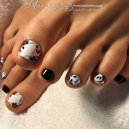 Toe Manicure Photo Pedicures