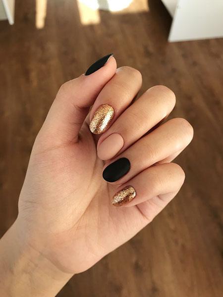 Black Manicure Pink Manikúra