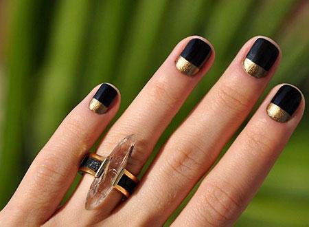 Gold Black Manicure Minimalist