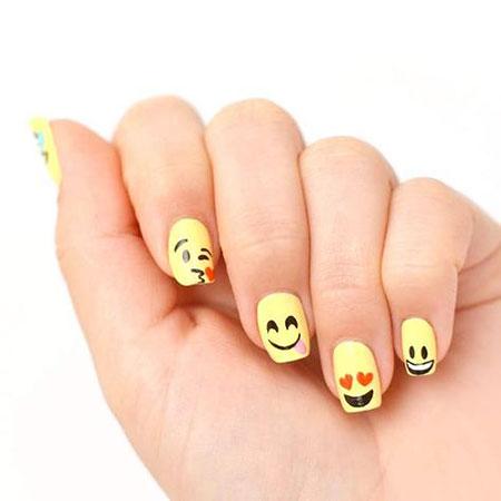 Emoji Love Manicure Halloween