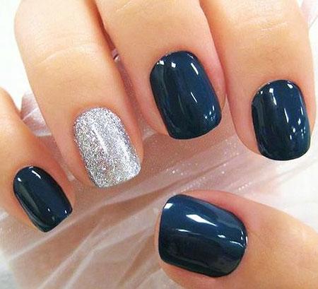 Silver Manicure Winter Dark
