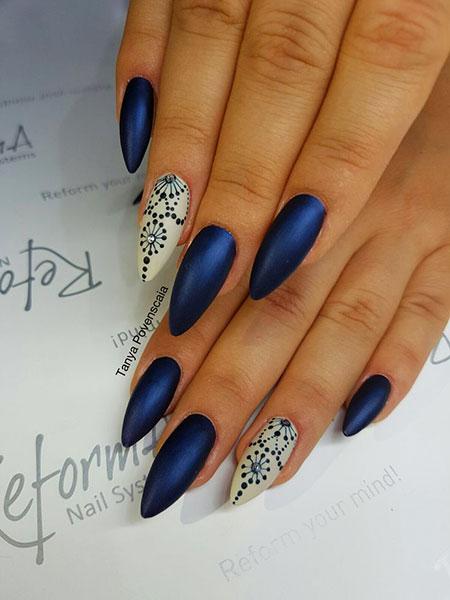 Blue Matte Manicure Paznokcie