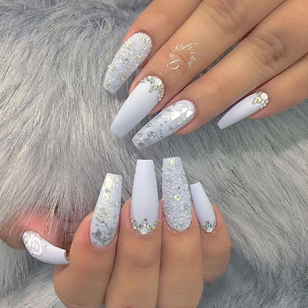 white acrylic nails coffin with silver glitter  nail and