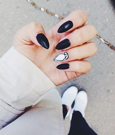 Black Nails White Nail