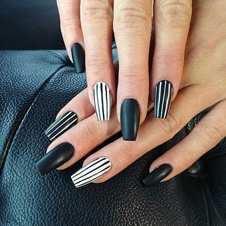 Black Nails Nail White