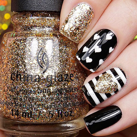 Black and Gold Nail Art, Black Glitter Polish Striping