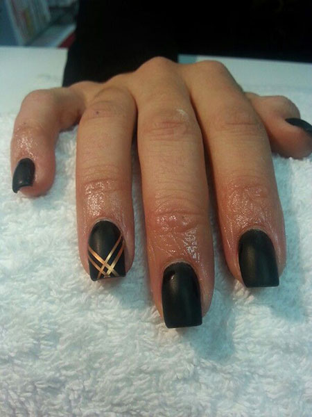 Black Gold Matte Manicure