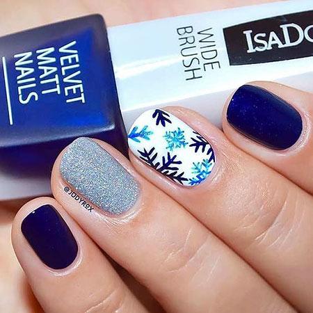 Winter Christmas Manicure Blue