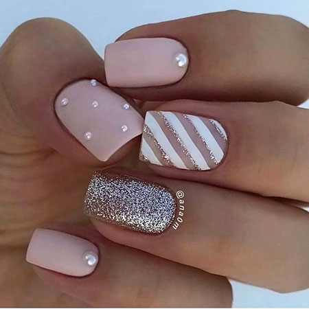 Dots and Stripes Nails, Manicure Beautiful Fashion