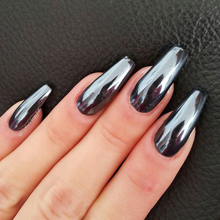 Black Nails with Chrome Look, Manicure Black Manicures Metallic