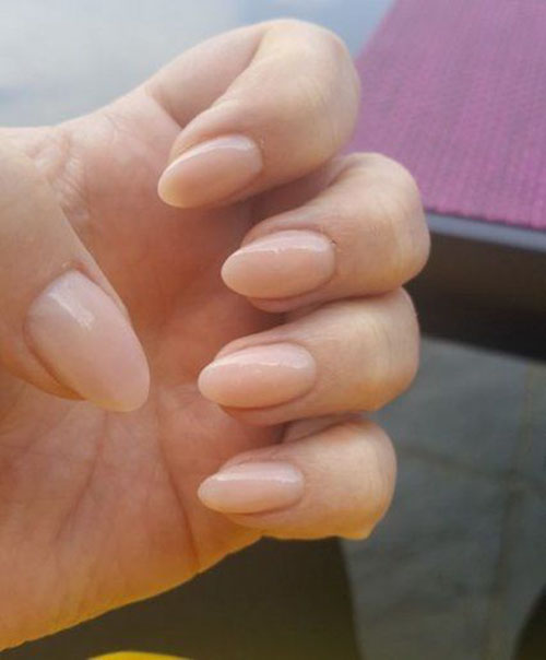 Almond Short Nails