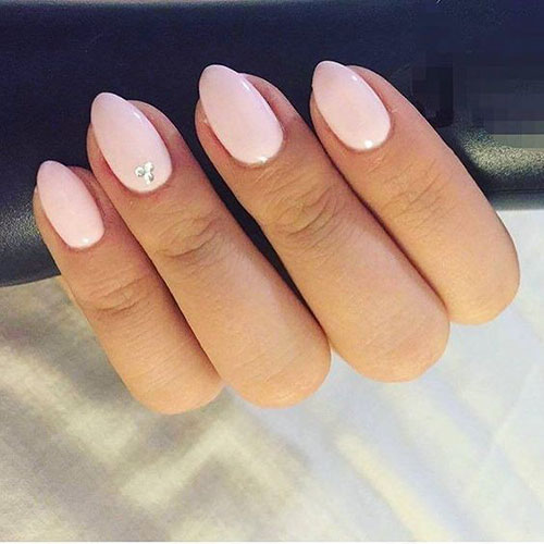 Nails Almond Short