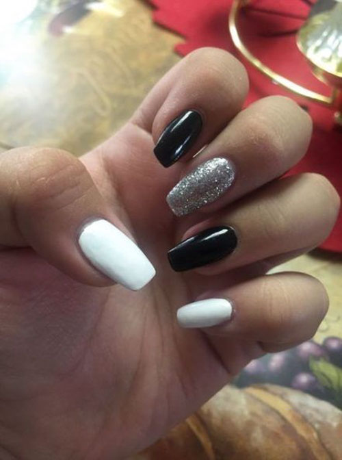 Black And White False Nails