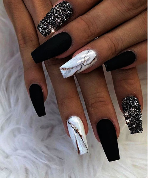 Black & White Acrylic Nails